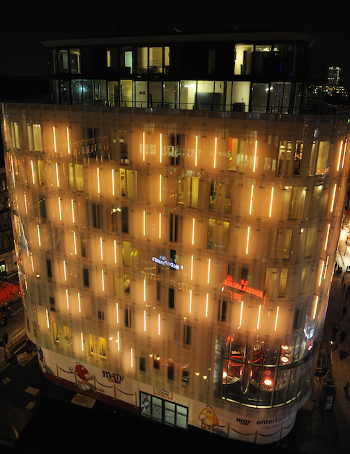 for a part of the city with lots of history and character to spare its about as close as a chain hotel in a glassy modern building can get to visual building facade lighting