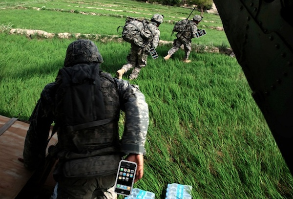 iphone at war