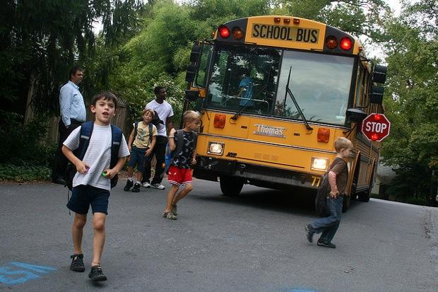kids schoolbus