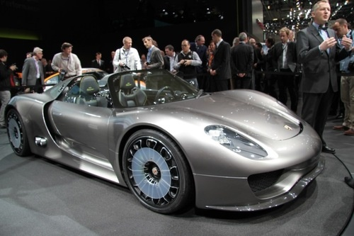 Remember That Y Plug In Hybrid Porsche 918 Spyder Supercar We Drooled Over Last Week Aly Weren T The Only Ones With Eyes For