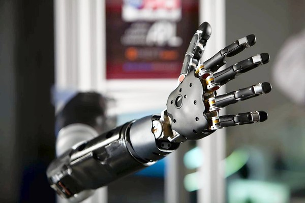 Robotic prosthetic arm