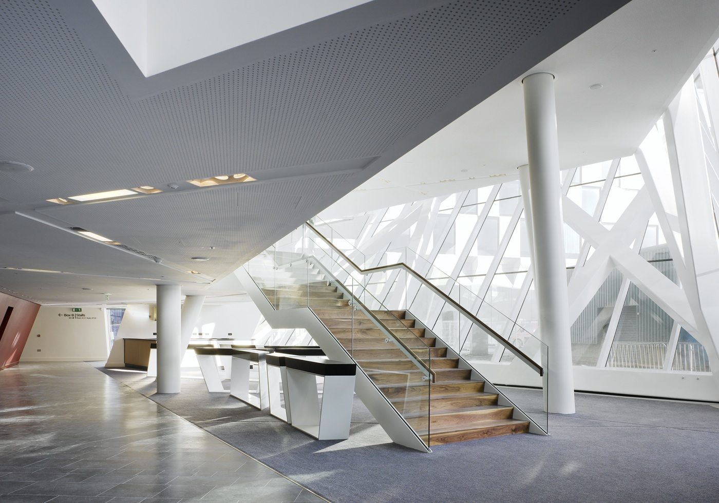 daniel libeskind s new theater opens offers hope to cash strapped dub. Black Bedroom Furniture Sets. Home Design Ideas