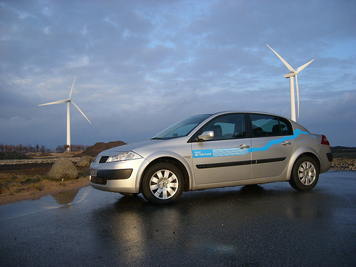 Better Place Demonstrates Two-Minute Electric Vehicle