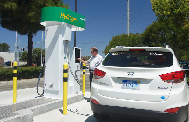 There Aren T Very Many Hydrogen Cars On The Road These Days But Might Be Soon And When Are It Will Possible To Take Dirty Water From