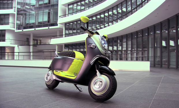 Bmw Rolls Out Iphone Friendly Mini Ev Scooter Video